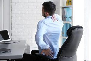 Comment s'asseoir sainement et confortablement au bureau ?