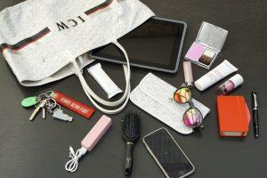 Votre journée travail sera moins éprouvante si vous avez ces 5 essentiels dans votre sac !